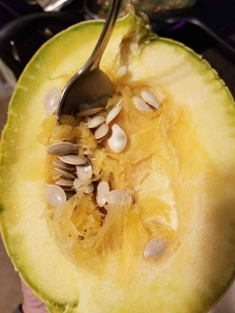How to cook and cut a spaghetti squash